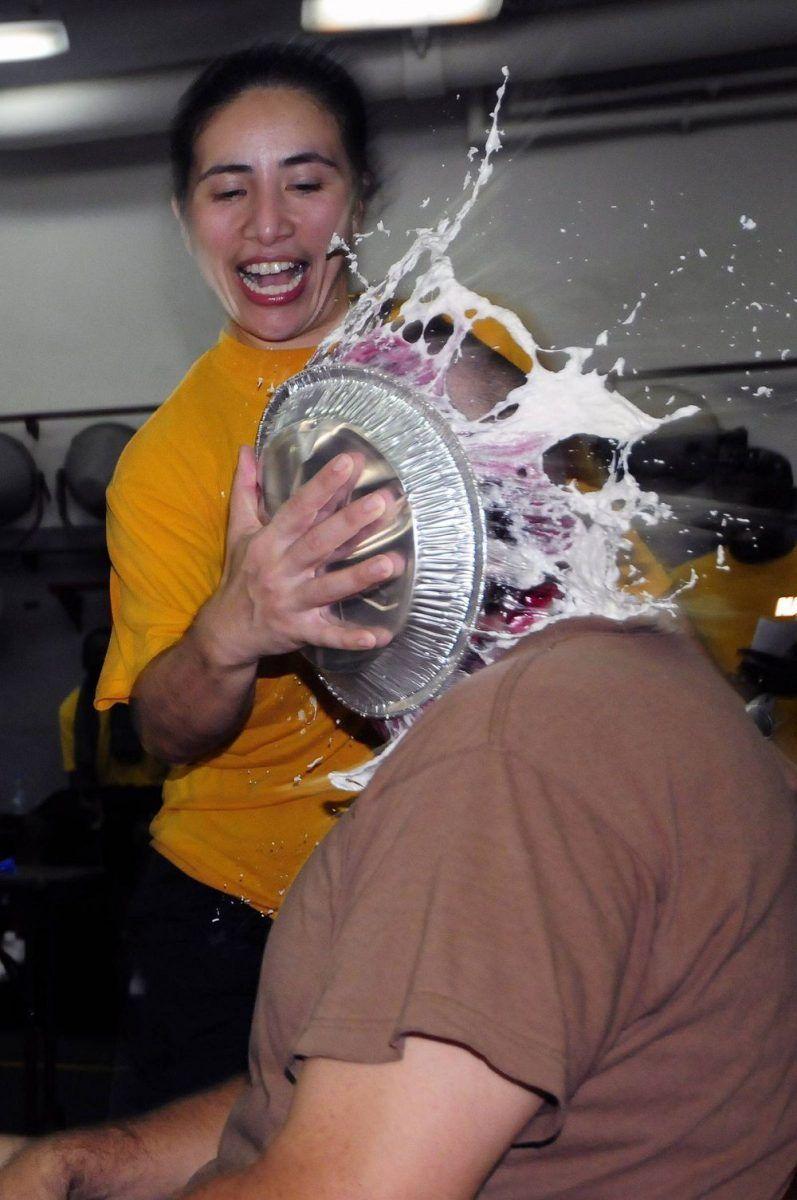 торт, лицо, удар