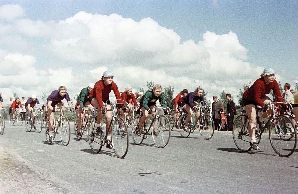 велосипедисты, спорт
