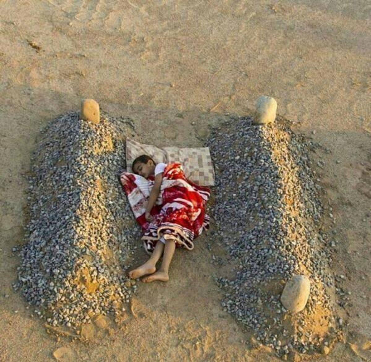 мальчик, могила