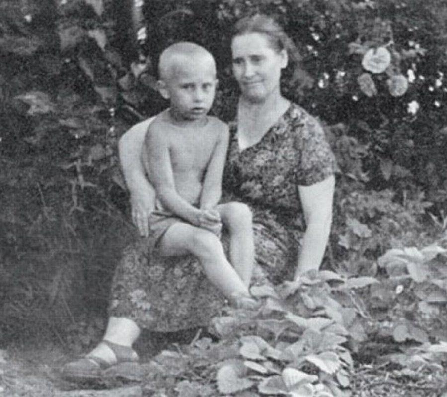 Путин, мама
