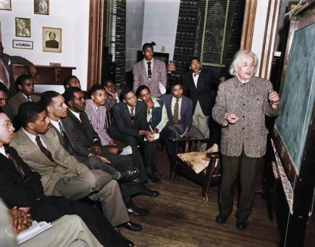 Энштейн, студенты