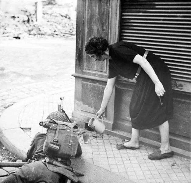 солдат, женщина