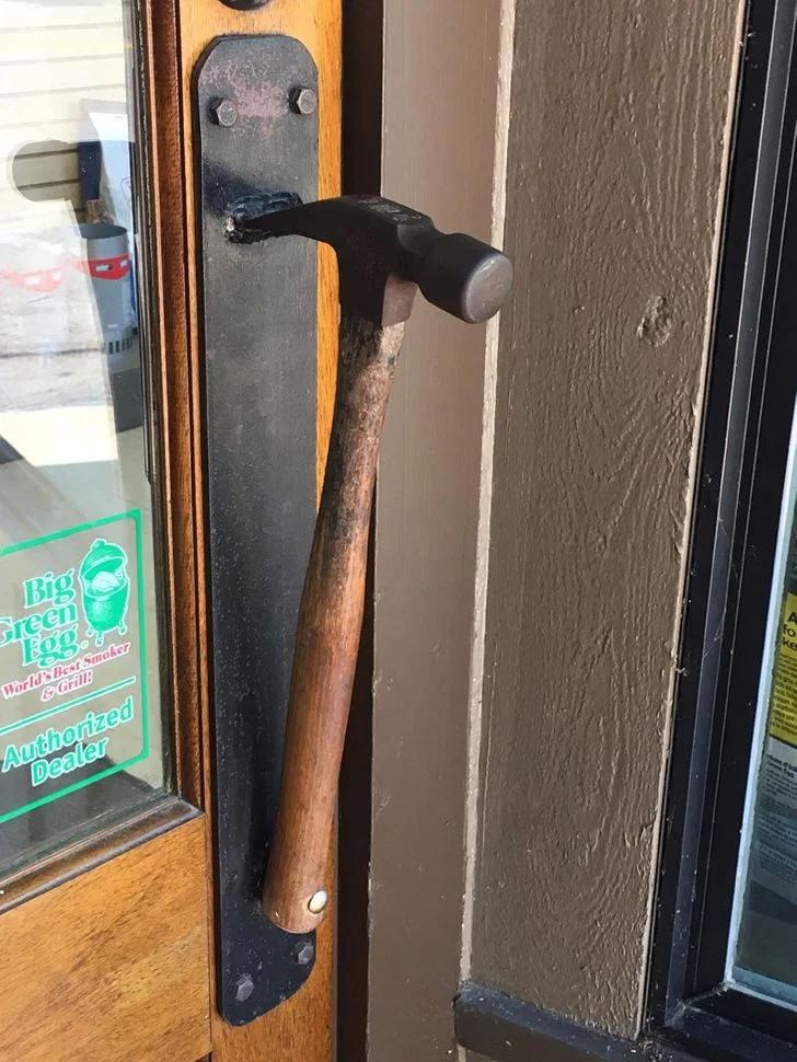 дверь, ручка