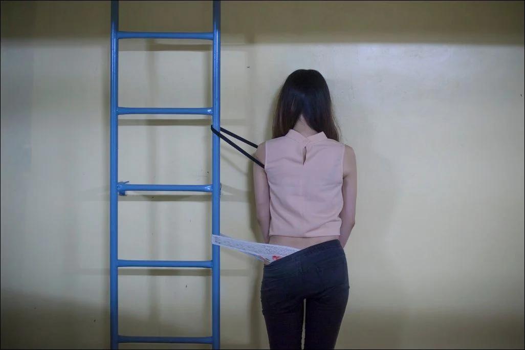девушка, лестница, трусы