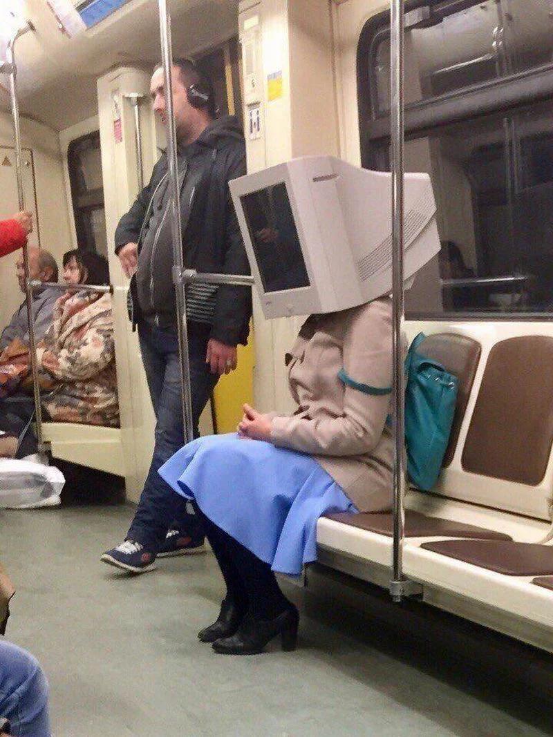 метро, девушка, компьютер