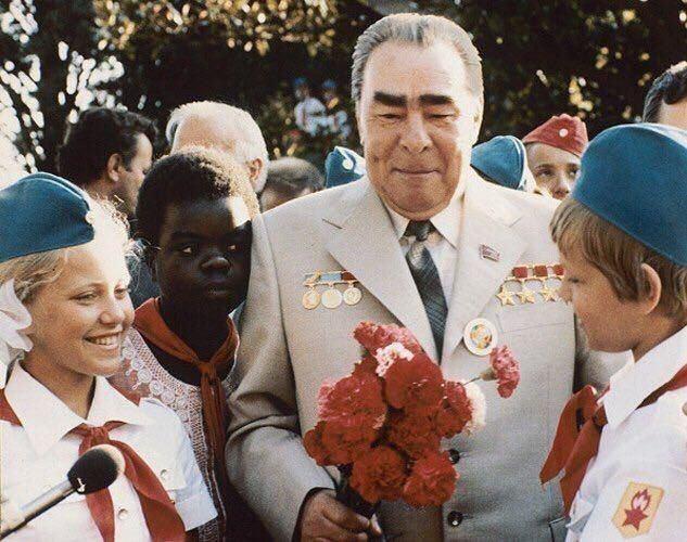 Брежнев, лагерь, дети