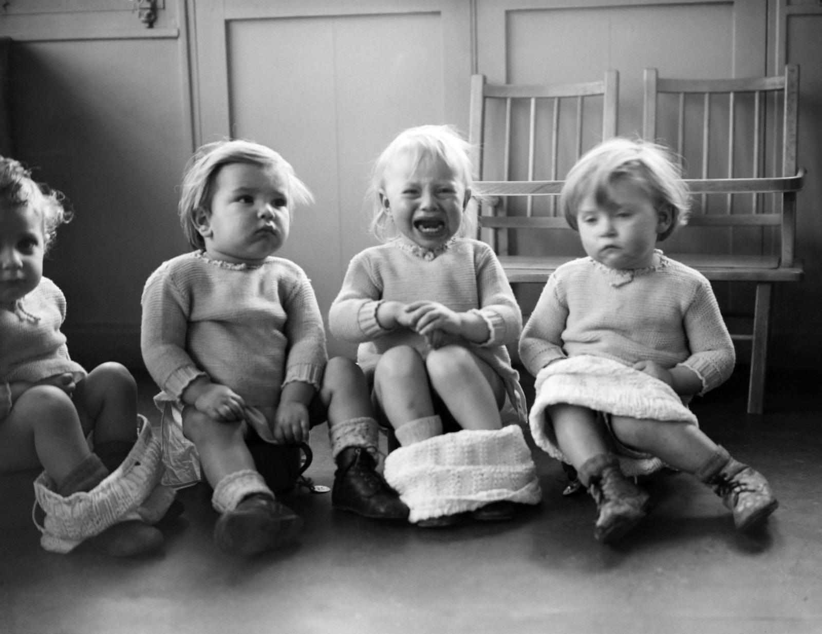 дети в яслях