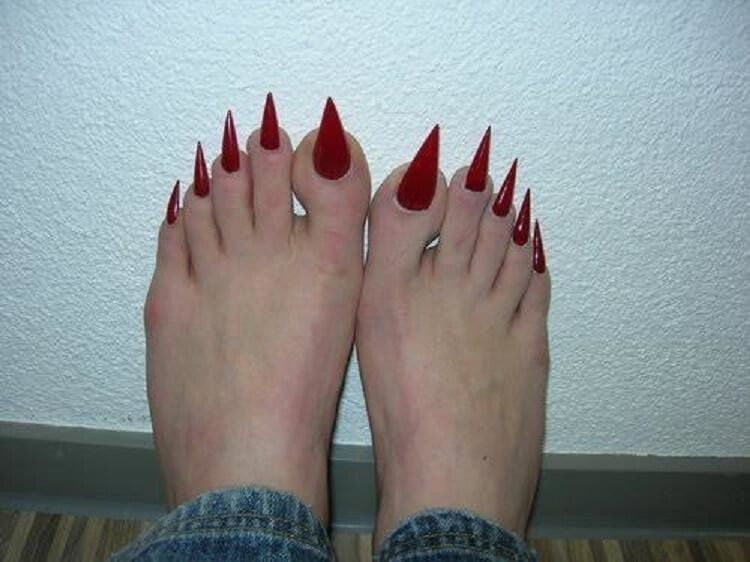 ногти, ноги