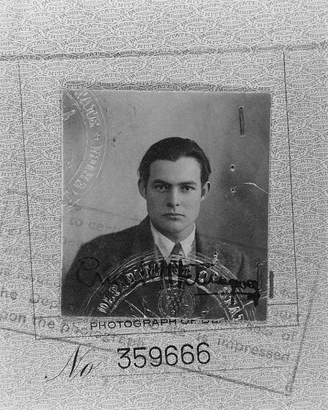 Хемингуэй, фото из паспорта