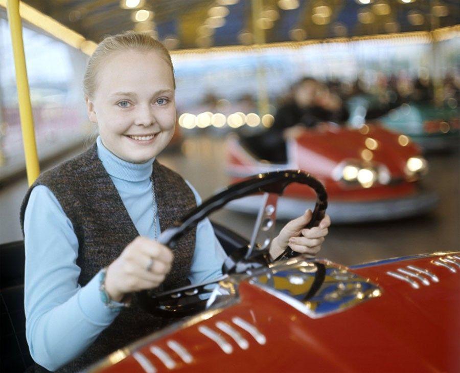 Наталья Белохвостикова за рулем / Фото: ©musthaveforyou.mediasole.ru