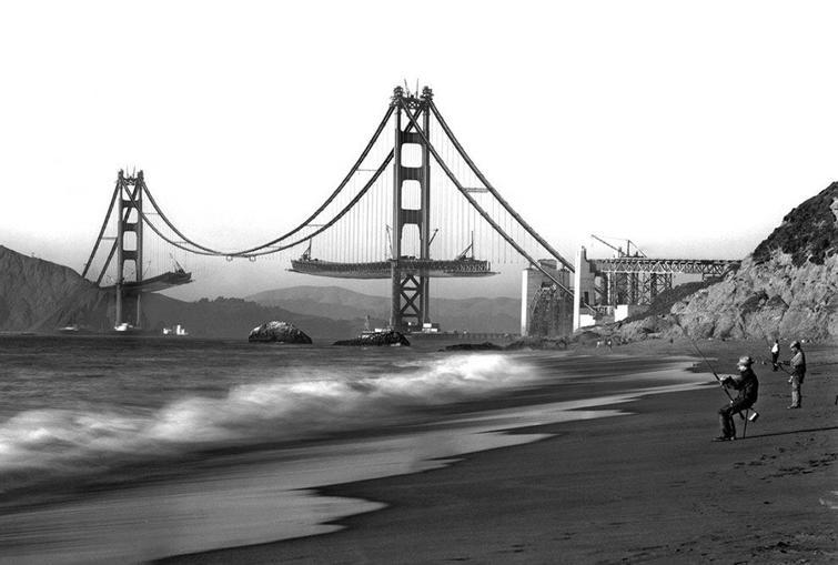 Висячий мост в Сан-Франциско во время строительства