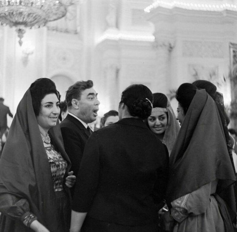 Всемирный Конгресс женщин запомнился Леониду Ильичу массой впечатлений  / Фото:©mixnews.lv