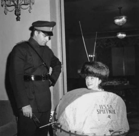 Хеллоуин-вечеринка в Лос-Анджелесе. 1957 год
