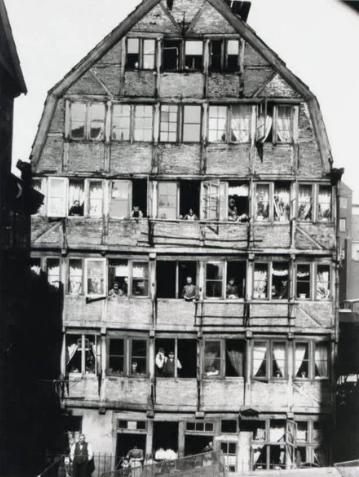 Многоэтажка и ее обитатели, 1904 год, Гамбург