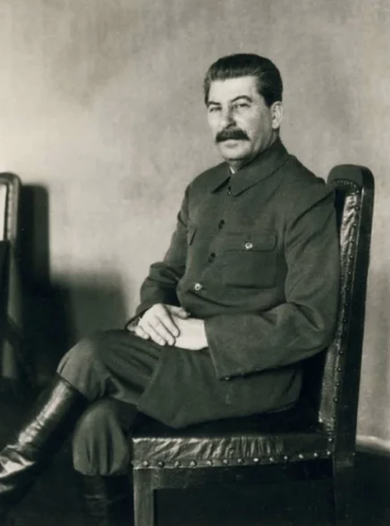 Сталин, усы