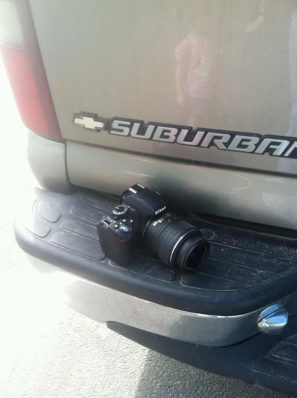 фотоаппарат, автомобиль