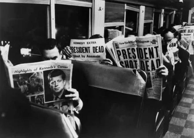поезд, газета, заголовки