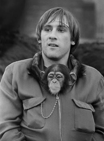 обезьяна, Депардье