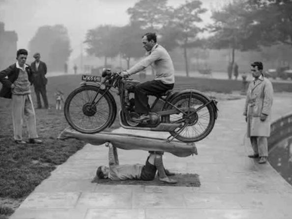 мальчик, мотоцикл, сила