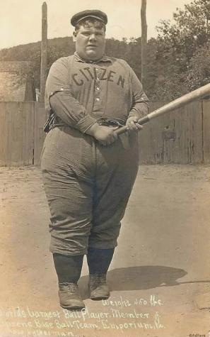 Самый тяжеловесный в мире игрок в бейсбол (весом в 205 кг), 1908 год