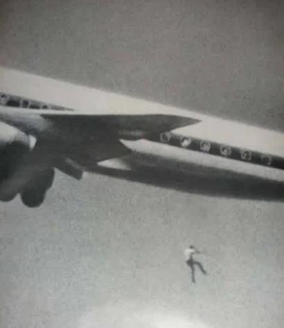 Кит Сапсфорд падает из самолета 22 февраля 1970 года