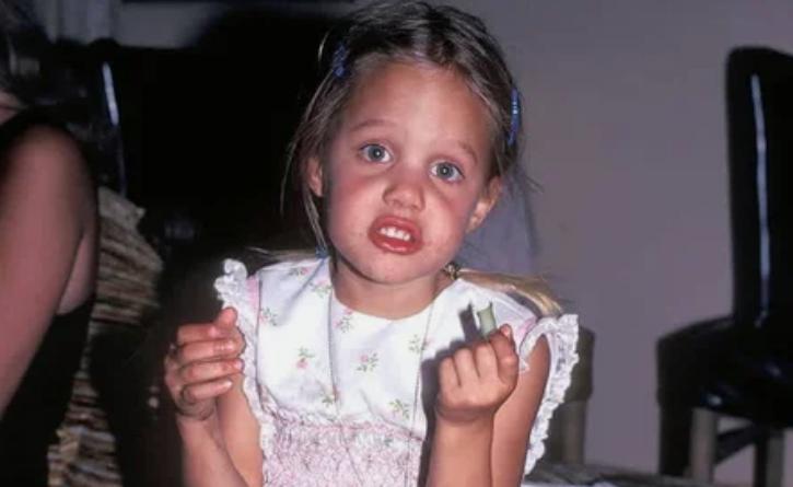 Джоли, девочка