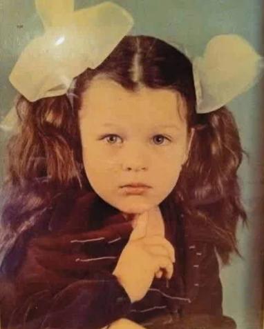 Йовович, актриса, ребенок