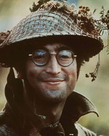Леннон на съемках в кино /Фото: ©womensite.mediasole.ru