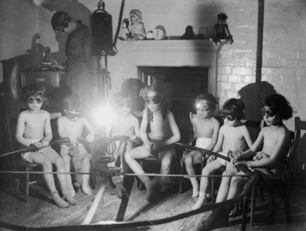Ультрафиолетовая терапия, 1931 год
