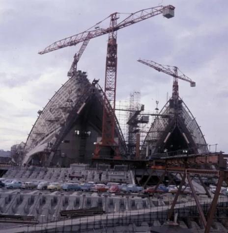 Сиднейский театр во время строительства в 1973 году