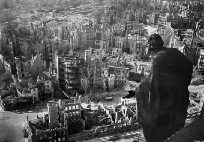 Американцы и британцы разбомбили Дрезден в феврале 1945-го