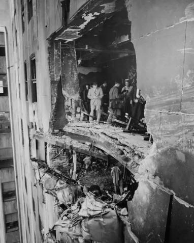 В небоскреб в Нью-Йорке врезался бомбардировщик, 1945 год
