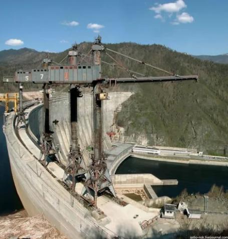 Саяно-Шушенская ГЭС во время строительства