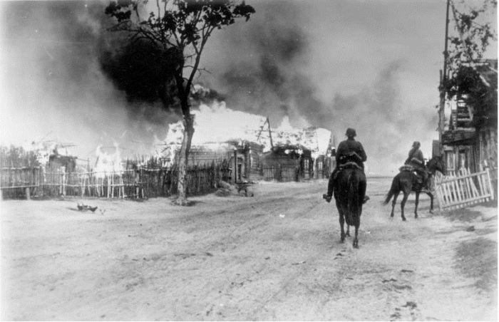 немцы, лошади, пожар