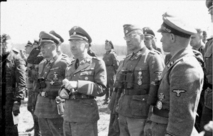 немцы, солдаты, офицеры