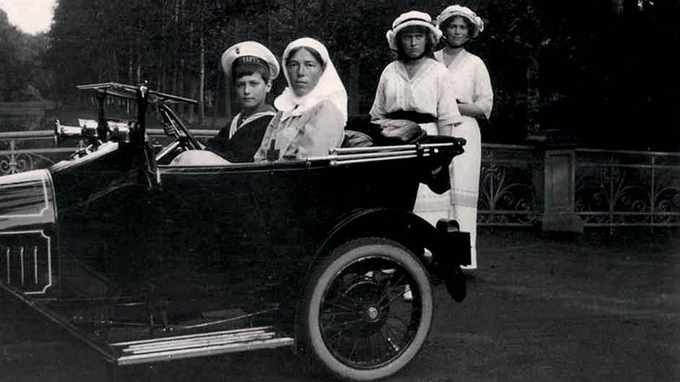 Личный транспорт цесаревича Алексея II
