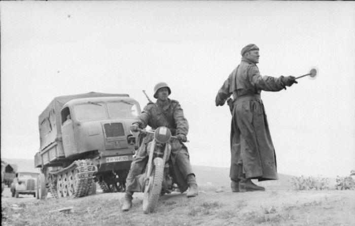 немцы, мотоцикл, отряд