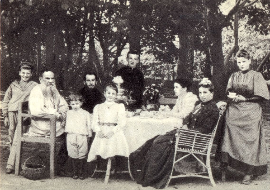 Толстой, писатель, семья
