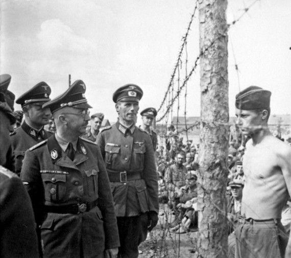 Солдат противостоит Гиммлеру