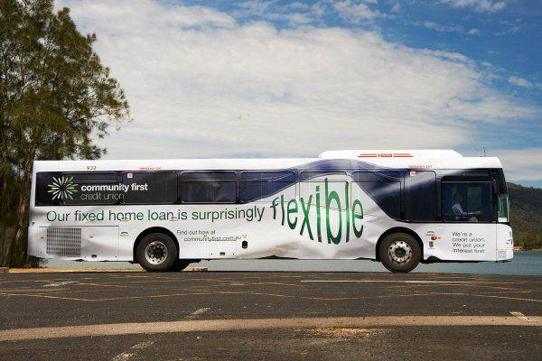 Кажется, что автобус изрядно помят / Фото: ©mixnews.lv
