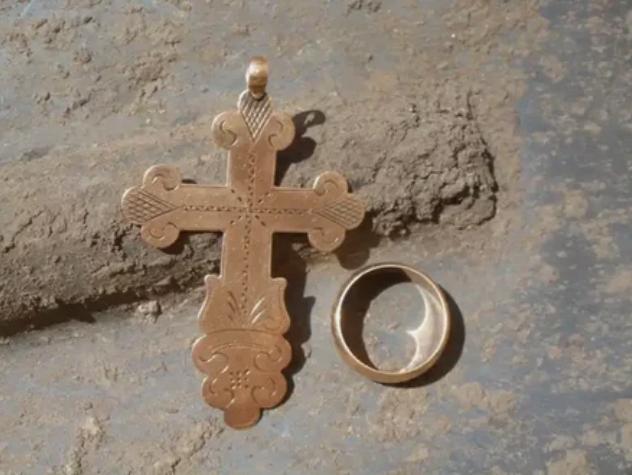 кольцо, крестик