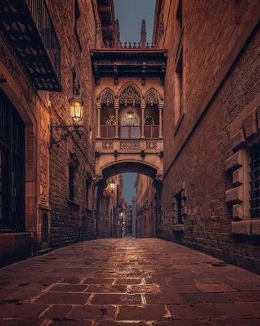 В Барселоне готические кварталы выглядят как картина / Фото: ©mixnews.lv