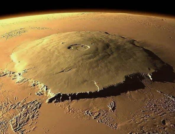На Марсе найдена высочайшая вершина Солнечной системы / Фото: ©mixnews.lv