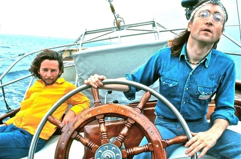 Леннон, яхта