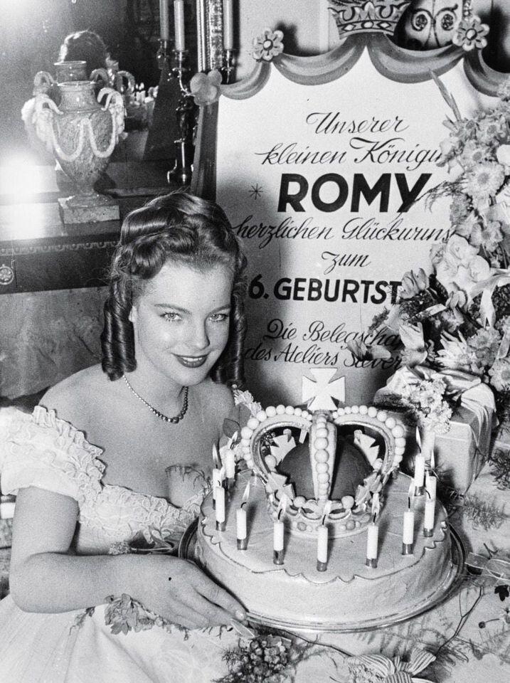 актриса, торт