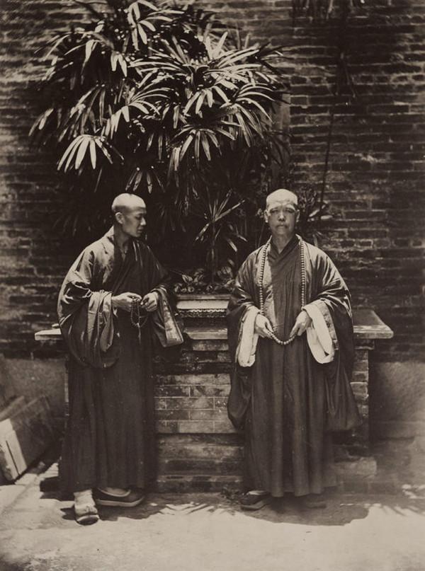 монахи, Китай