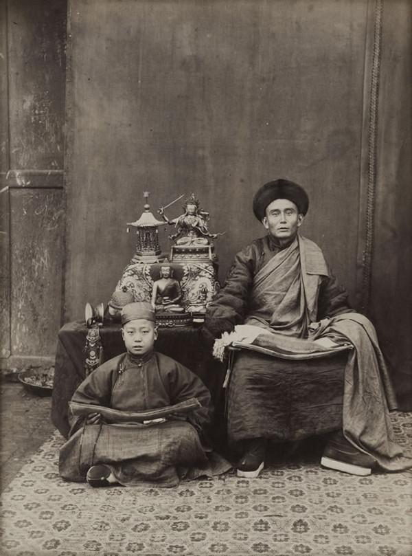 лама, мужчины, Китай
