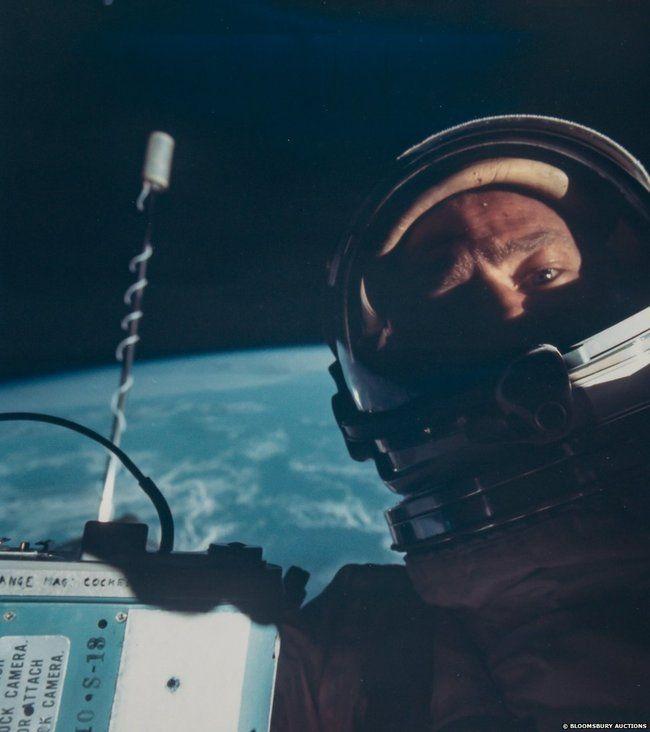 астронавт, селфи