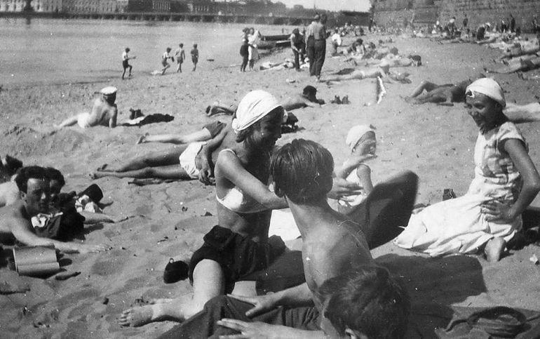 довоенный пляж в Ленинграде