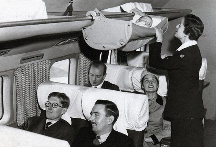 самолет, младенец